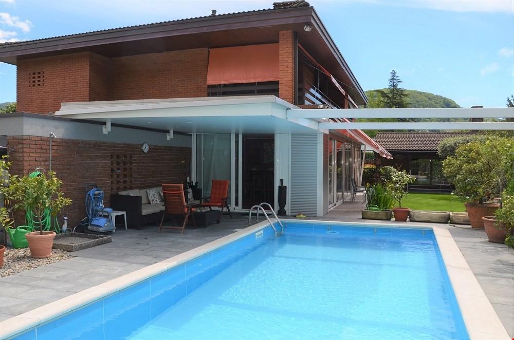 splendida-villa-con-piscina-a-magliaso-lugano4